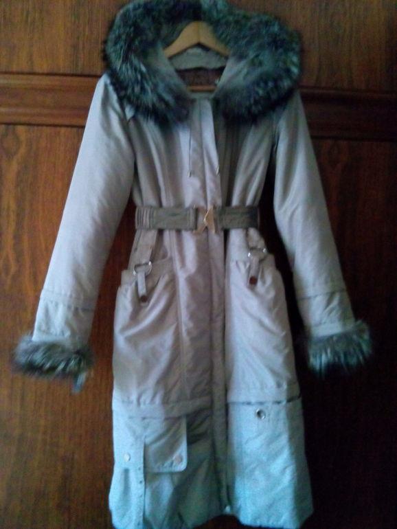 Зимнее пальто. 42 р-р. подкладка-кролик. м. Петровско-Разумовская